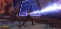 Mit einem Dashade auf seiner Seite lässt ein Sith Machtblitze auf einen Gegner frei.
